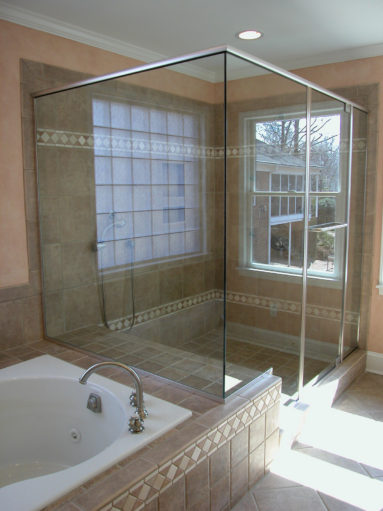 Example Gallery #3 | Winston Shower Door